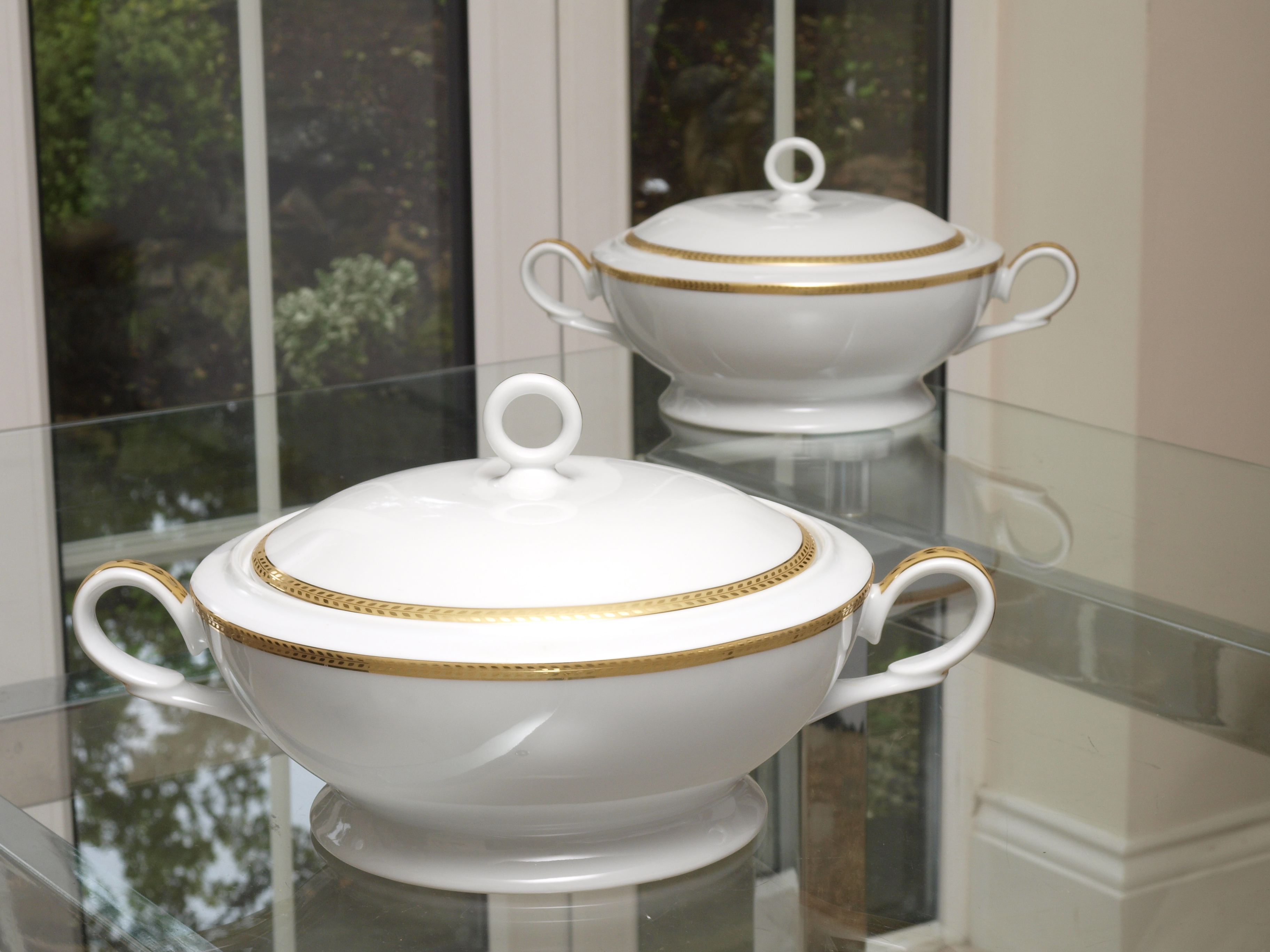 ETERNITY CLASSIC GOLD 96 PIECE DINNER SERVICE