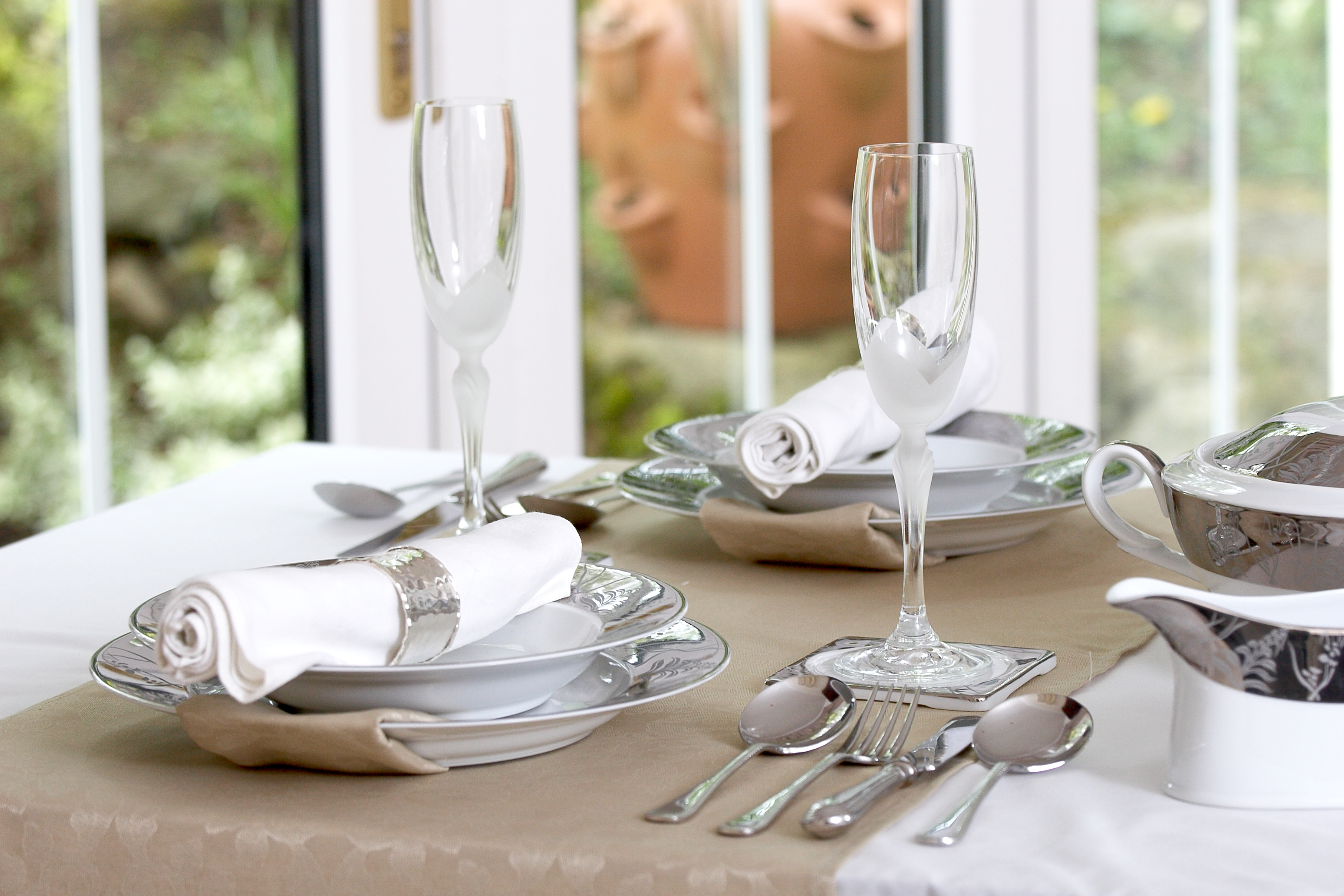 GRANDEUR PLATINUM 56 PIECE DINNER SET