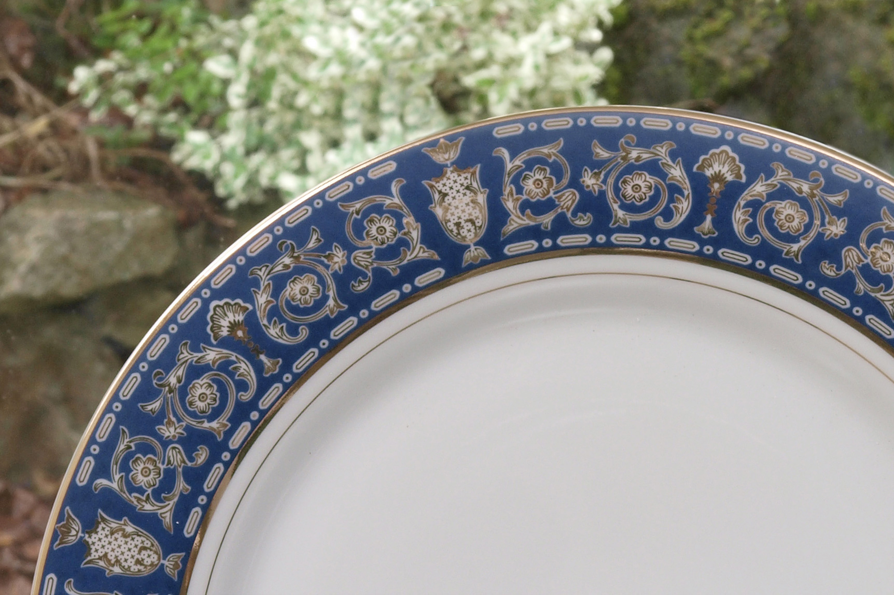 THE ROYAL BLUE 56 PIECE DINNER SERVICE